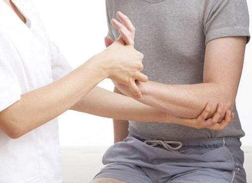 Когда требуется консультация и медицинская помощь травматолога-ортопеда?